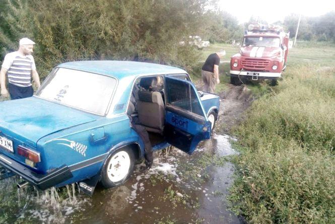 Вінничанин поїхав на риболовлю. Чому в Південному Бузі потонула «копійка»?