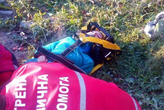 На Ямпільщині 17-річна дівчина впала в криницю та пошкодила хребет