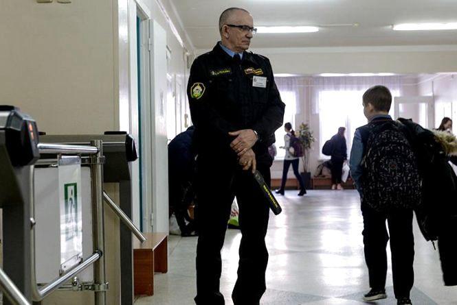 Сторожа в школах не відповідають за дітей (Прес-служба телеканалу «Інтер»)