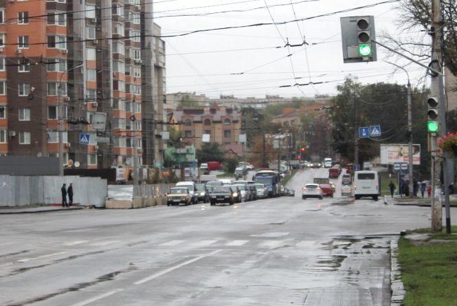 «Зелену хвилю» для авто створять на Київській до кінця 2018 року