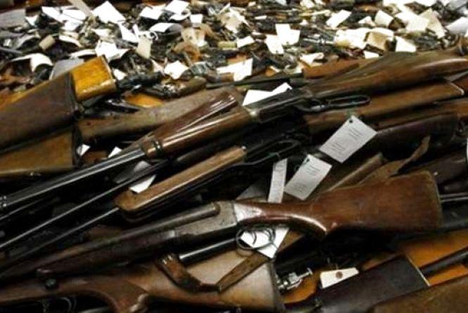 На Вінниччині триває місячник добровільної здачі зброї. Куди здавати?