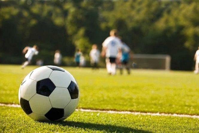 Тисяча юних ямпільчан засвоїла ази футболу на відкритих уроках