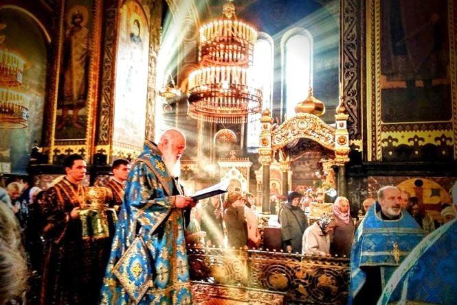 Українська Церква стала на крок ближче до самостійності. Що пишуть про це вінничани?