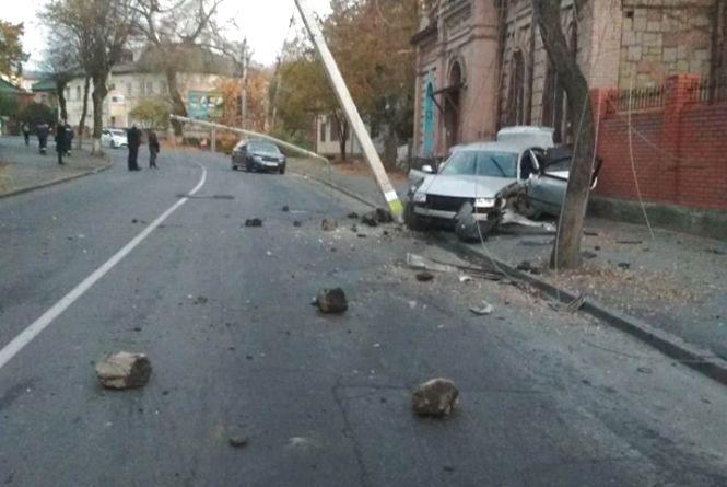 ДТП на Магістратській: водій, що зніс дві електроопори, був п'яний