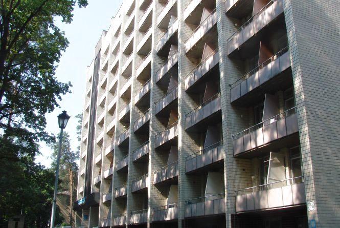Негода у Вінниці: у військовому госпіталі повалилися дерева