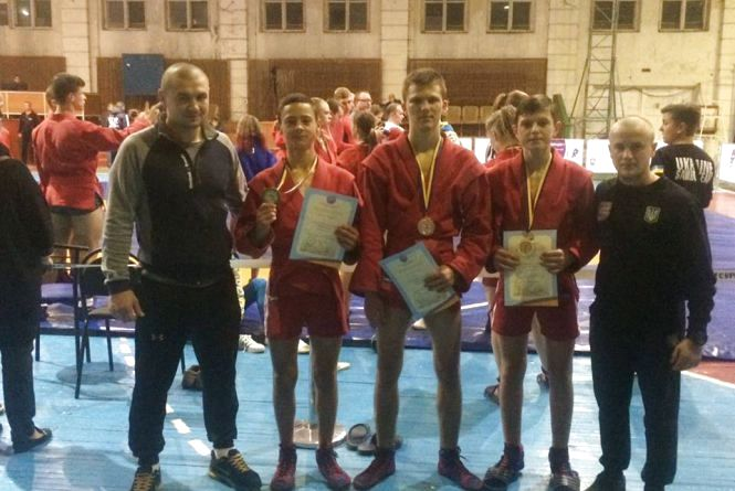 Вінничани відзначилися на чемпіонаті України з боротьби самбо