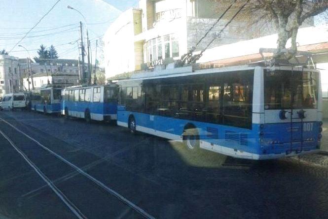 На Соборній 7 листопада зупинилися тролейбуси. Були затори  в центрі і на Пирогова