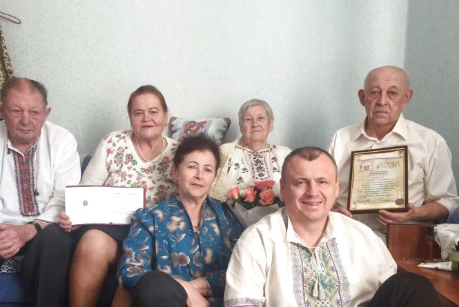 Вінничани, яким виповнилося 100 років, отримують довічну щомісячну матеріальну допомогу