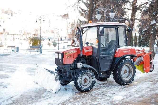 Вінницю від снігу цілу ніч чистило 685 двірників та 21 одиниця техніки
