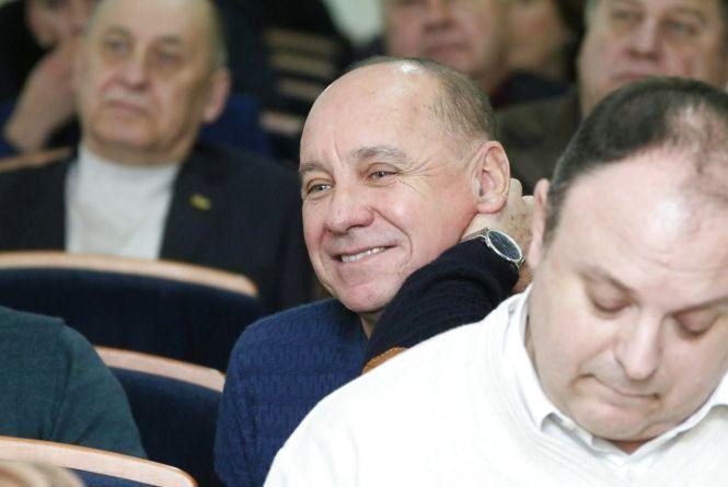 Староста-полковник Юрій Мельник: «Напевно куплю автомат, щоб заходити в кабінети деяких чиновників…»