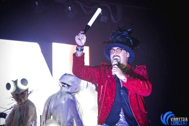 Дима Коляденко в Виннице «нашел невесту», танцевал гопак и вспоминал знакомство с Билык