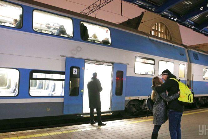 Новий графік руху: Укрзалізниця відкрила продаж квитків до 20 грудня