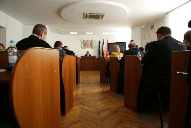 «Влада не повинна втручатися в релігію, але...». Депутати підтримали створення помісної церкви в Україні