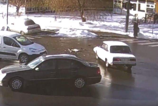 Вінниця 2 грудня: чотири побиті автівки та один протокол