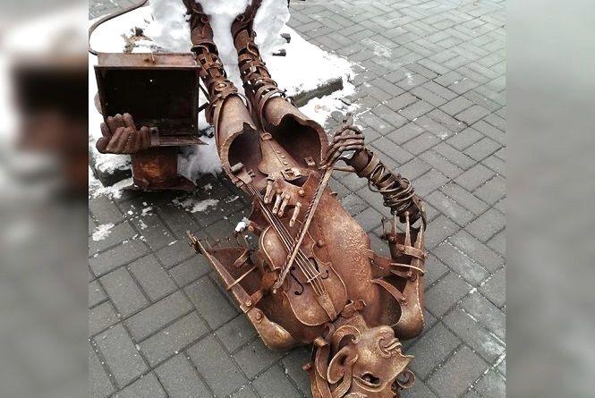«Скрипаля» у центрі міста перекинули для профілактичних робіт