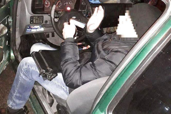 Зупинився на світлофорі та не поїхав на «зелене». На Келецькій патрульні виявили п'яного водія