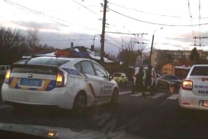 Вінниця 6 грудня: ДТП на Київській та пожежа на Лялі Ратушної