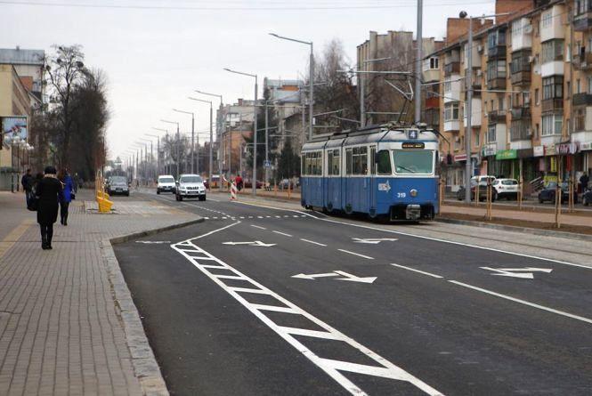 Реконструкція Замостянської: з понеділка вулицею пустять громадський транспорт