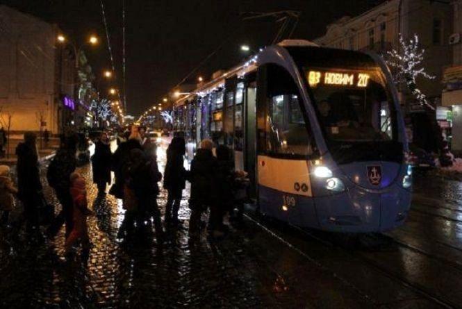 Подорожі новорічним трамваєм. Оприлюднили графік рейсів