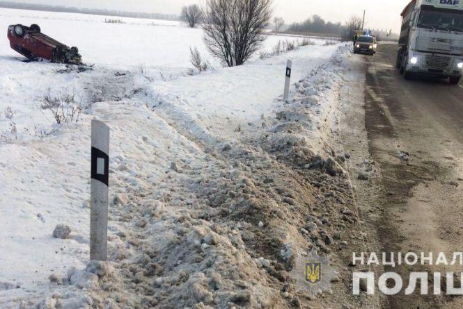 На Вінниччині перекинувся Renault. Постраждала 8-річна дитина