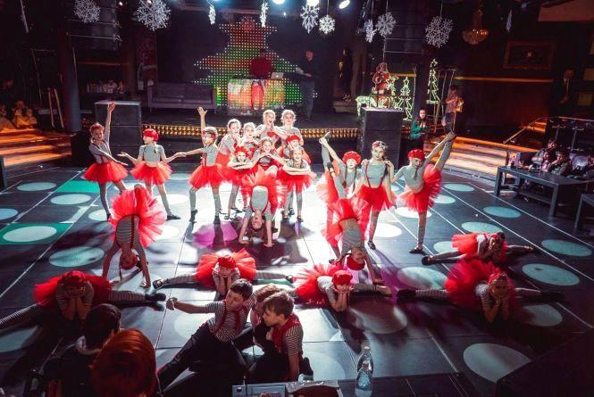 Вечір прем'єр ансамблю «Болеро»: запальні танці і шоу пародистів