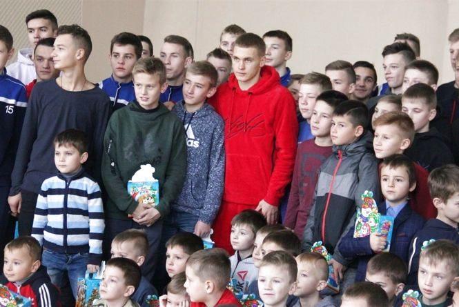 Кумири з Калинівки: один в «Динамо» і збірній, а другий  у «Шахтарі» став віце-чемпіоном