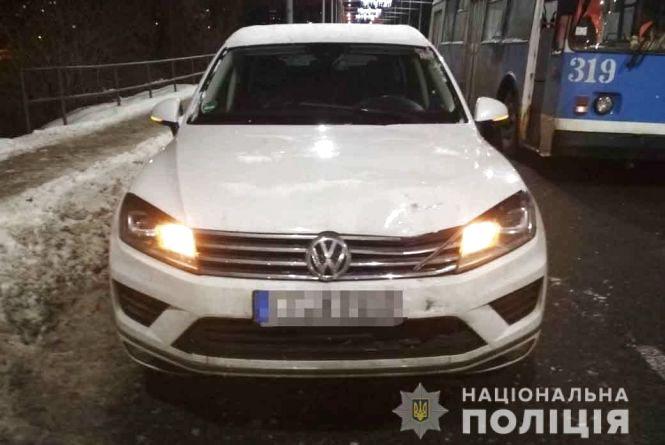 ДТП на Чорновола: водій Volkswagen Touareg збив пішохода