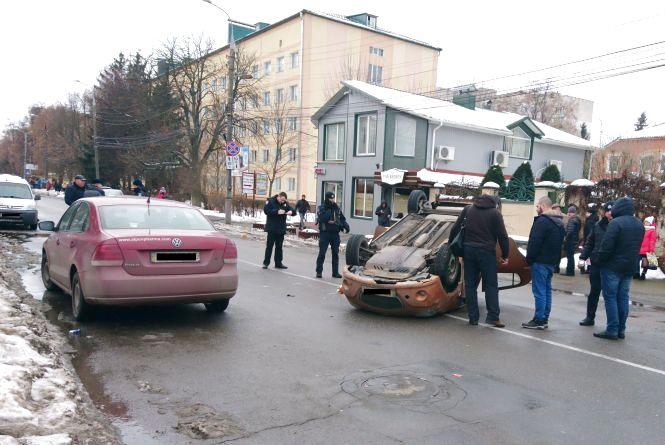 Вінниця 18 січня: подробиці ДТП на Блока та Київській