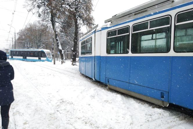 Немає напруги: на Барське шосе не їдуть трамваї