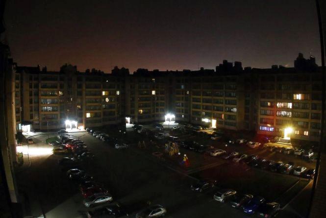 Дев'ять годин без світла. Де у лютому застосують планові відключення? (ГРАФІК)