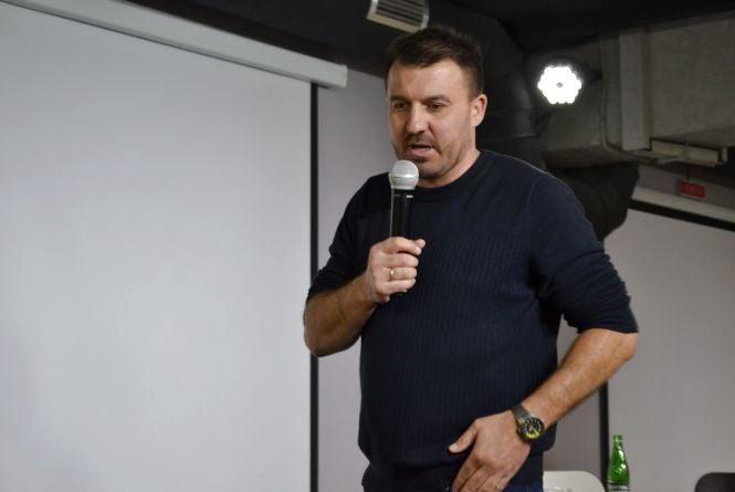 Велогонщик Ярослав Попович ділиться власним спортивним досвідом у Вінниці