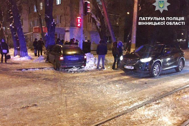 Масштабна ДТП: п'яний водій протаранив дві автівки та врізався у дерево