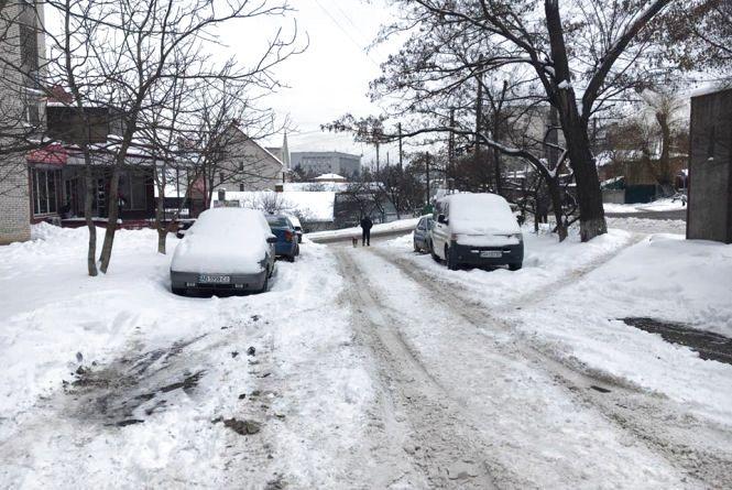 Вінниця 25-26 січня: горіла новорічна ялинка, нечищені вулиці та ДТП