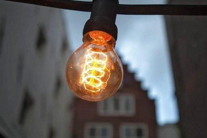 Де у лютому діятимуть планові відключення світла? Графік