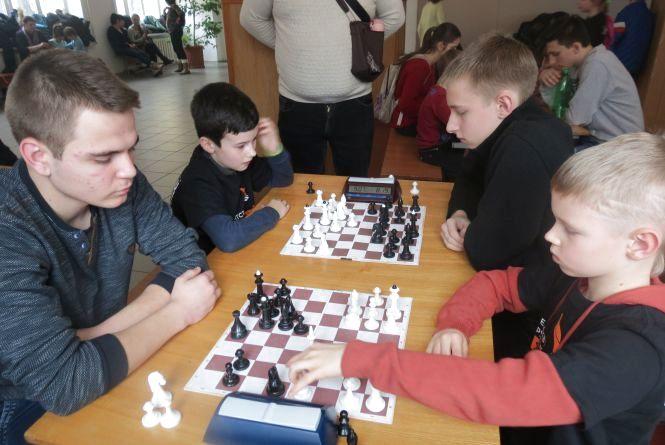 Обласний шаховий турнір «Зимова вежа» виграла «темна конячка» з Піщанки