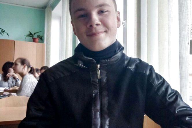 Школяр збирав наскутер… але гроші віддав налікування Олі. Про вчинок Володимира Шкути