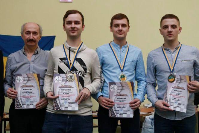 Чотири шашкісти Вінниччини здобули медалі на домашньому чемпіонаті України та путівки на чемпіонати Європи і світу