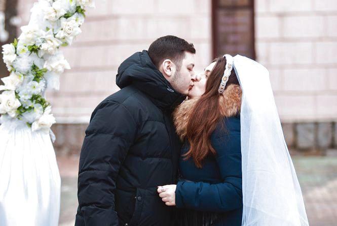 День закоханих на Європейській площі: фотозона, валентинки та «весілля»