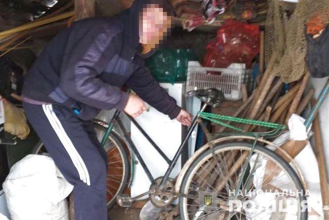 18-річний житель області зберігав наркотики. Також він попався на 13 крадіжках