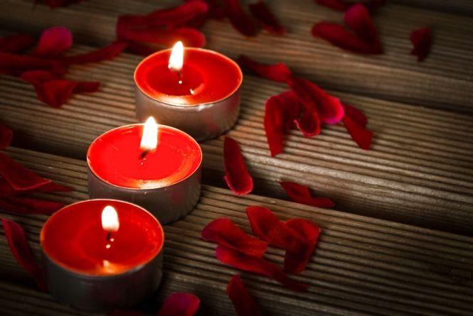 День закоханих при свічках. Де завтра вимкнуть світло?