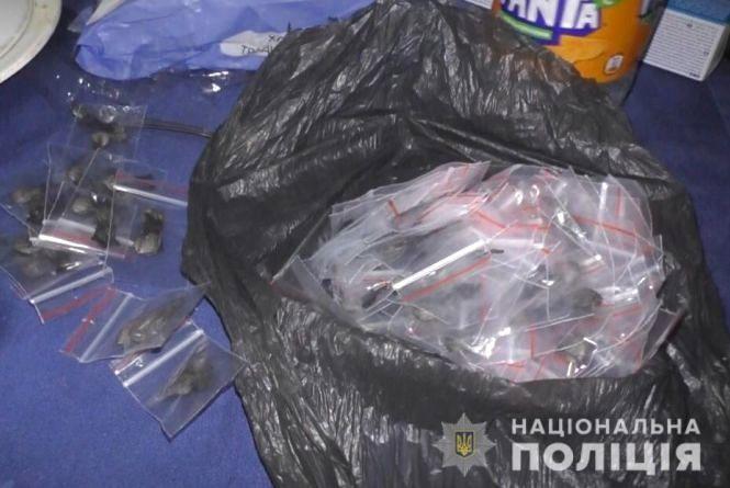 Метадону на близько 80 тисяч гривень виявили в одній із вінницьких квартир