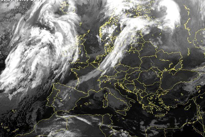 В Україну прийде атмосферний фронт: яку погоду прогнозують у середу?