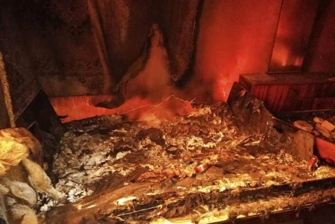 Смертельна пожежа: п'яний чоловік згорів у будинку. Тіло пролежало тиждень