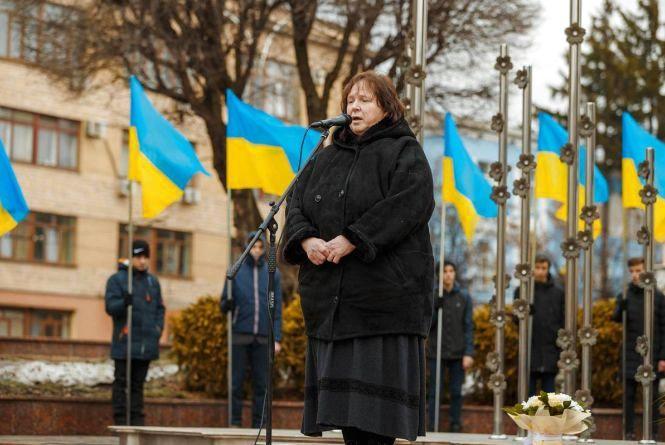 Президент Порошенко нагородив орденом матір загиблого Максима Шимка