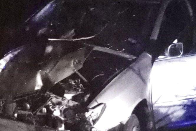 На Вінниччині водій «Toyota Corolla» врізався у стовп. Пасажирка у лікарні