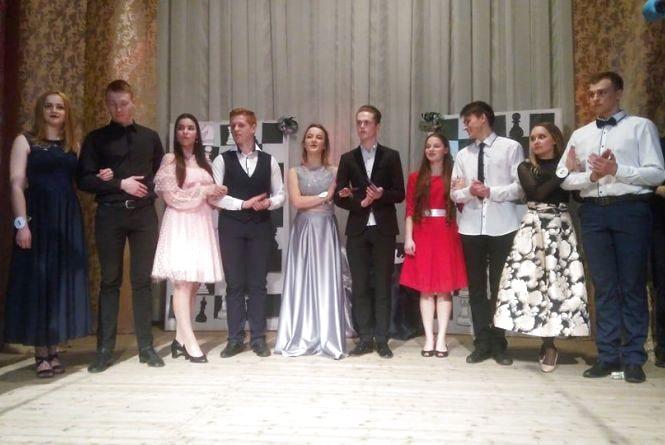 У Вінницькому технічному коледжі визначили «короля» і «королеву» балу