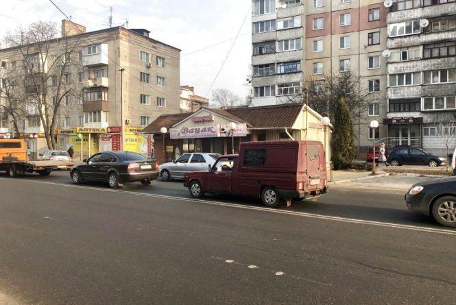 Архітектор за перенос магазина «Вацак», що на Зодчих. Можна підписати петицію