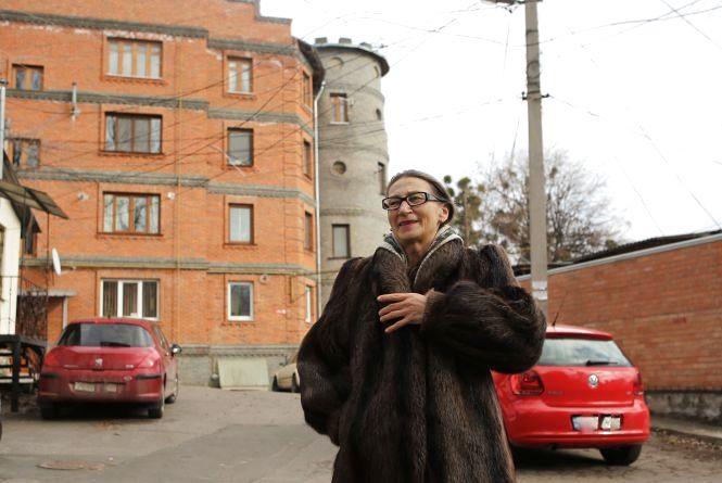 Будинок з вежею був комуналкою, руїною. А тепер став «еліткою»