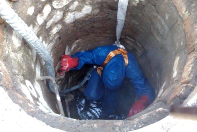 Промивка каналізації та ліквідація витоку. Перелік адрес, де тривають роботи