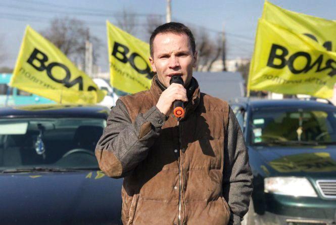 Дерев'янко у Вінниці підтримав автопробіг за доступні авто (Прес-служба Юрія Дерев'янка)